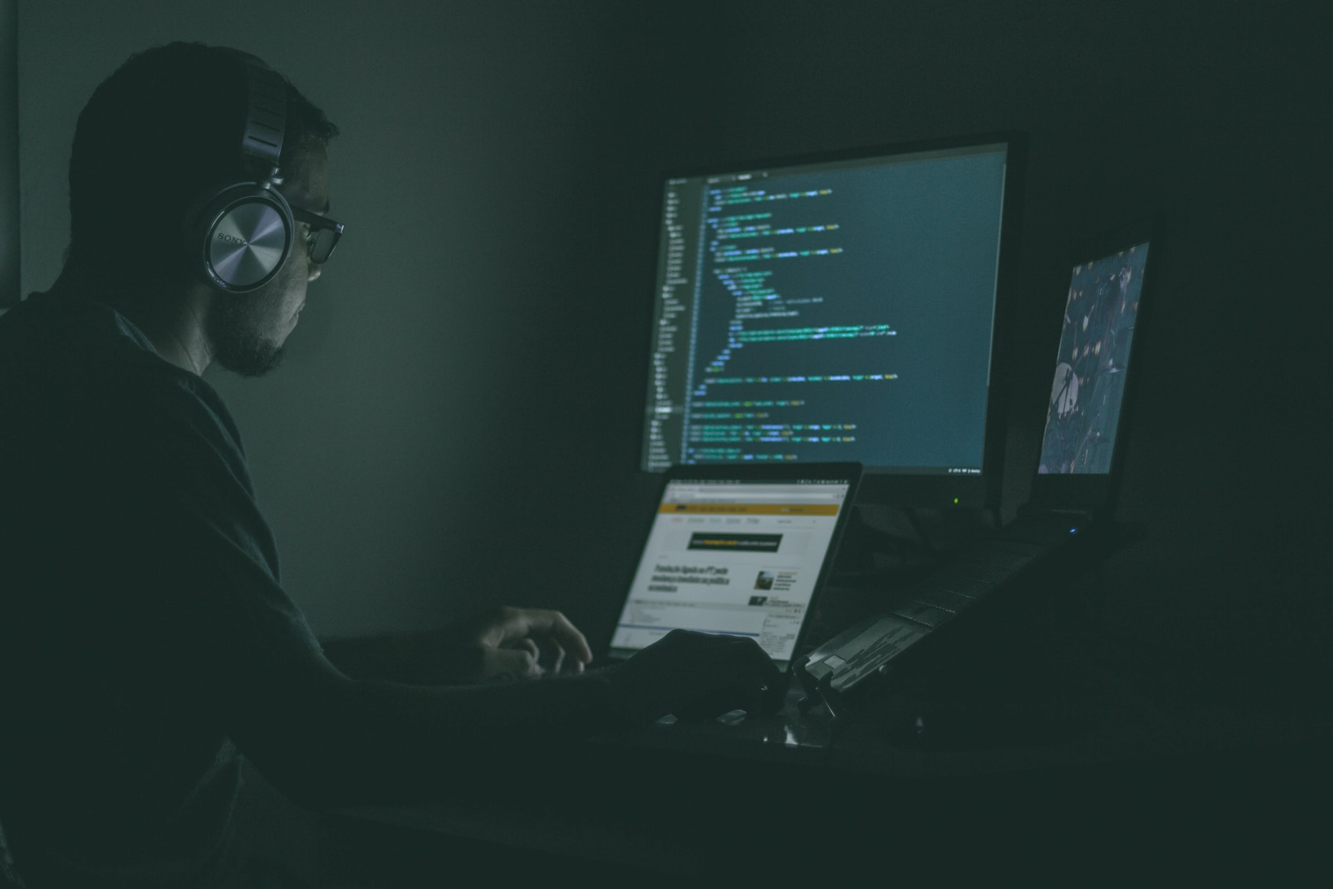 Tips Career Cybersecurity Header Image