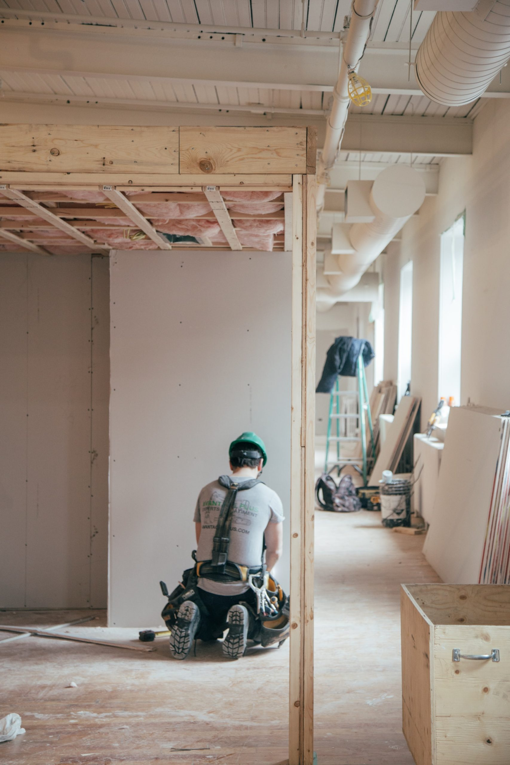 Hiring Contractor Home Renovations Article Image