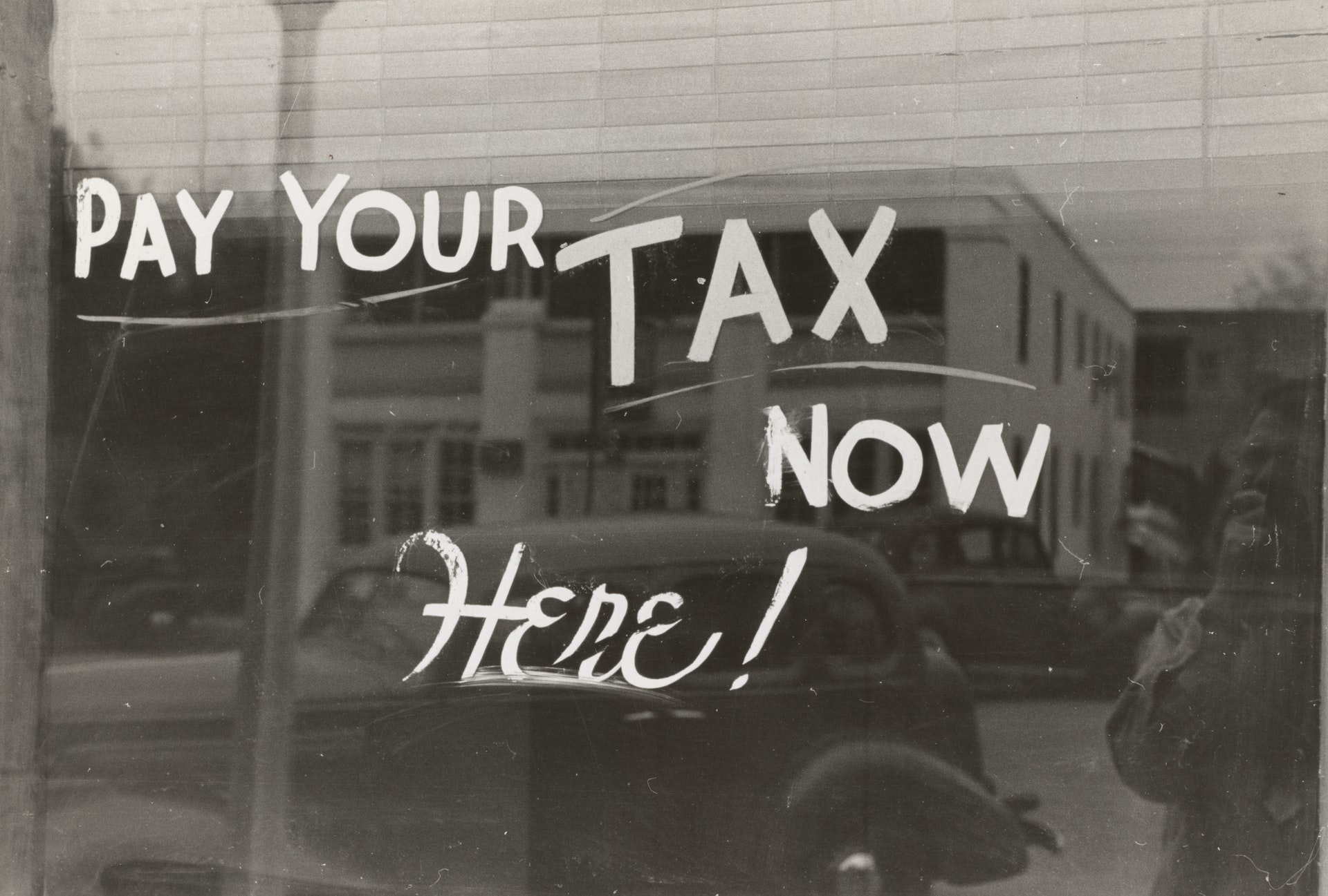 How Filing Taxes Early Header Image