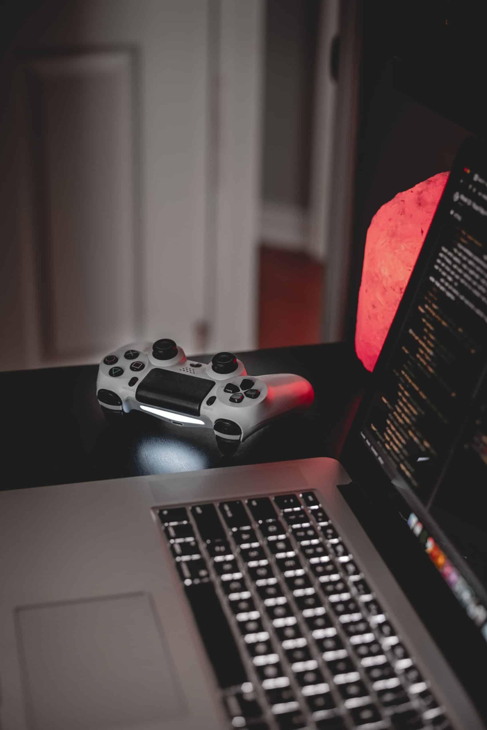 12 Factors Buying Laptop Article Image