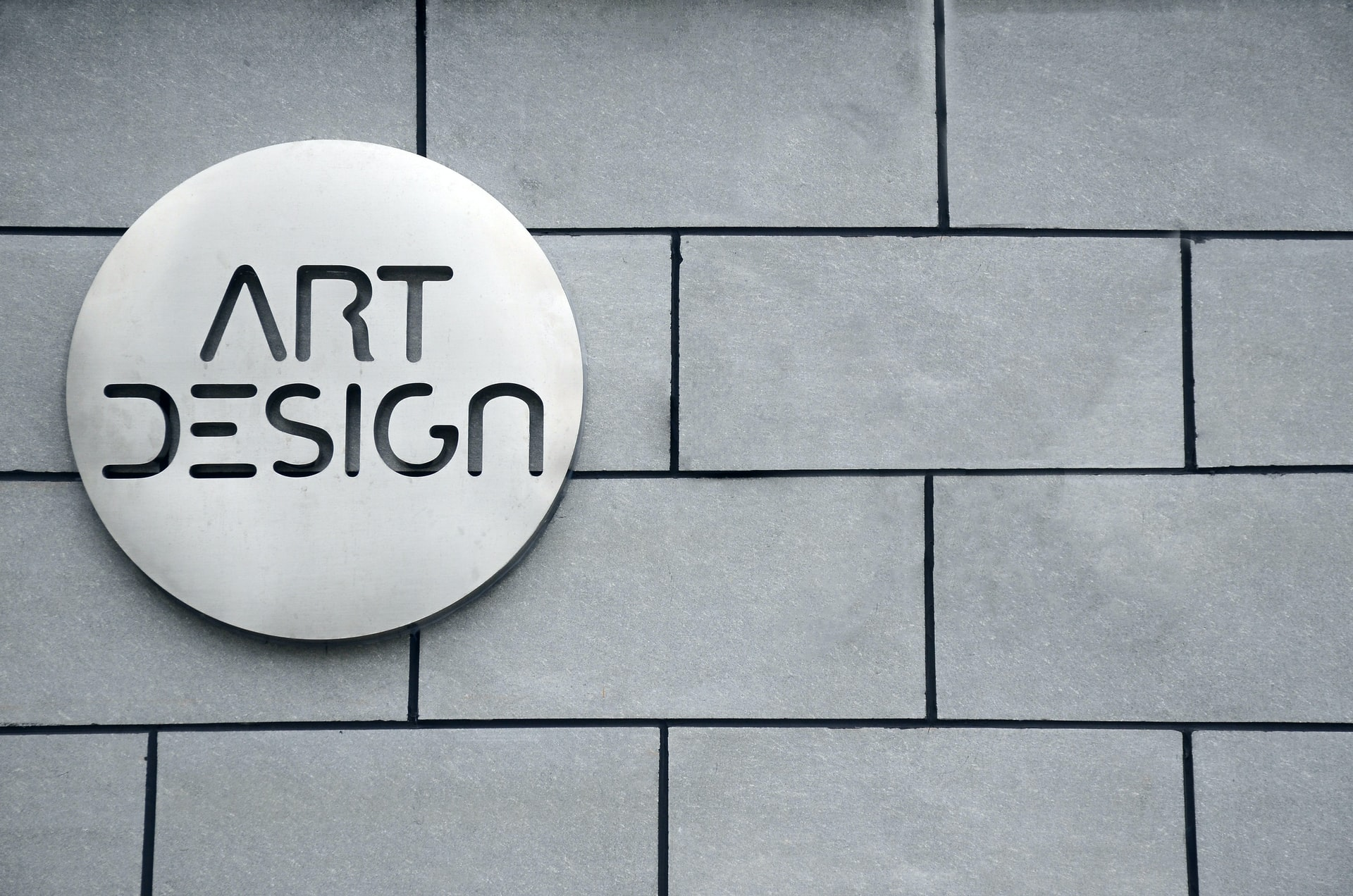 Logo Stand Out Header Image