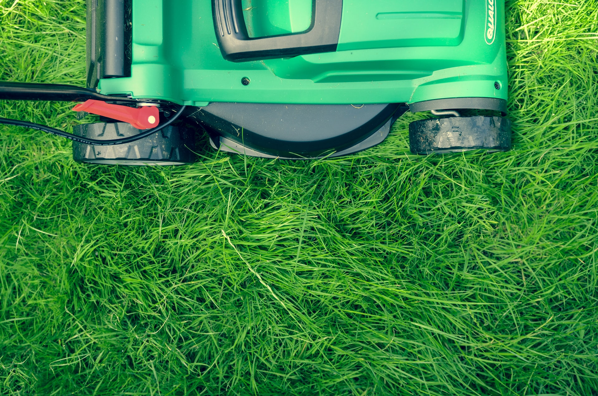 Lawn Care Business Header Image