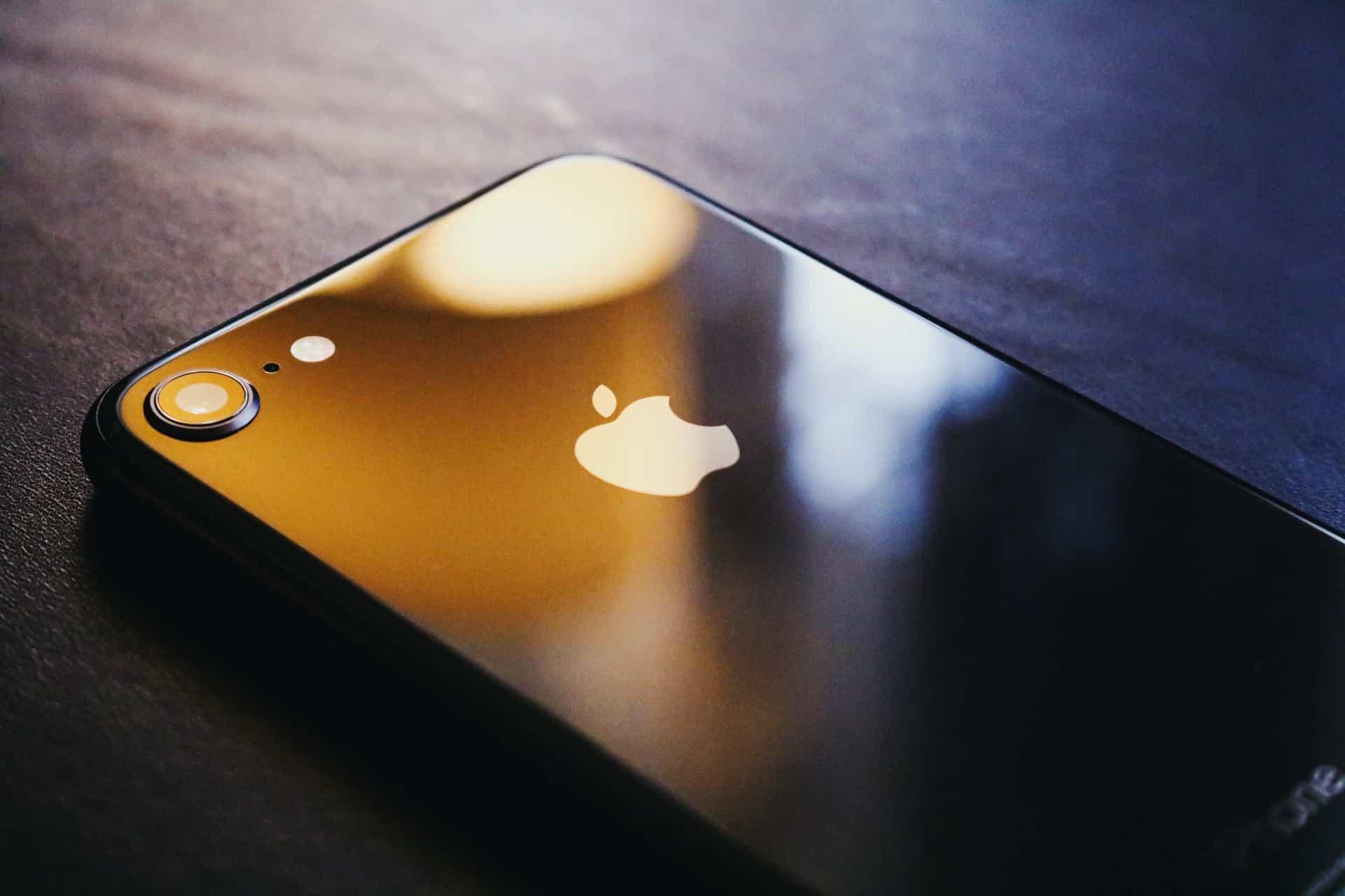 Best iPhone Microphones Header Image