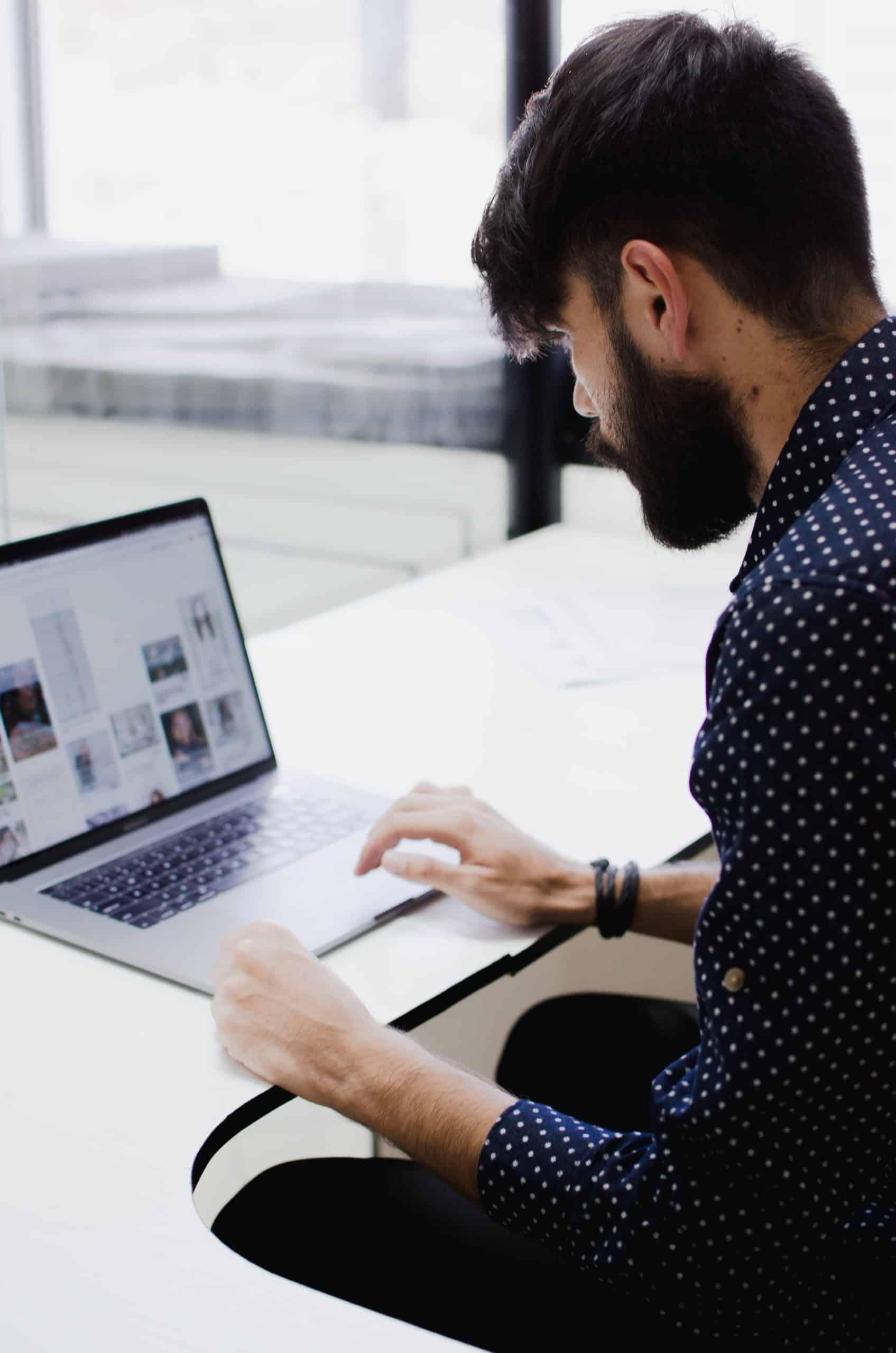 Customer Service Knowledge Base Article Image
