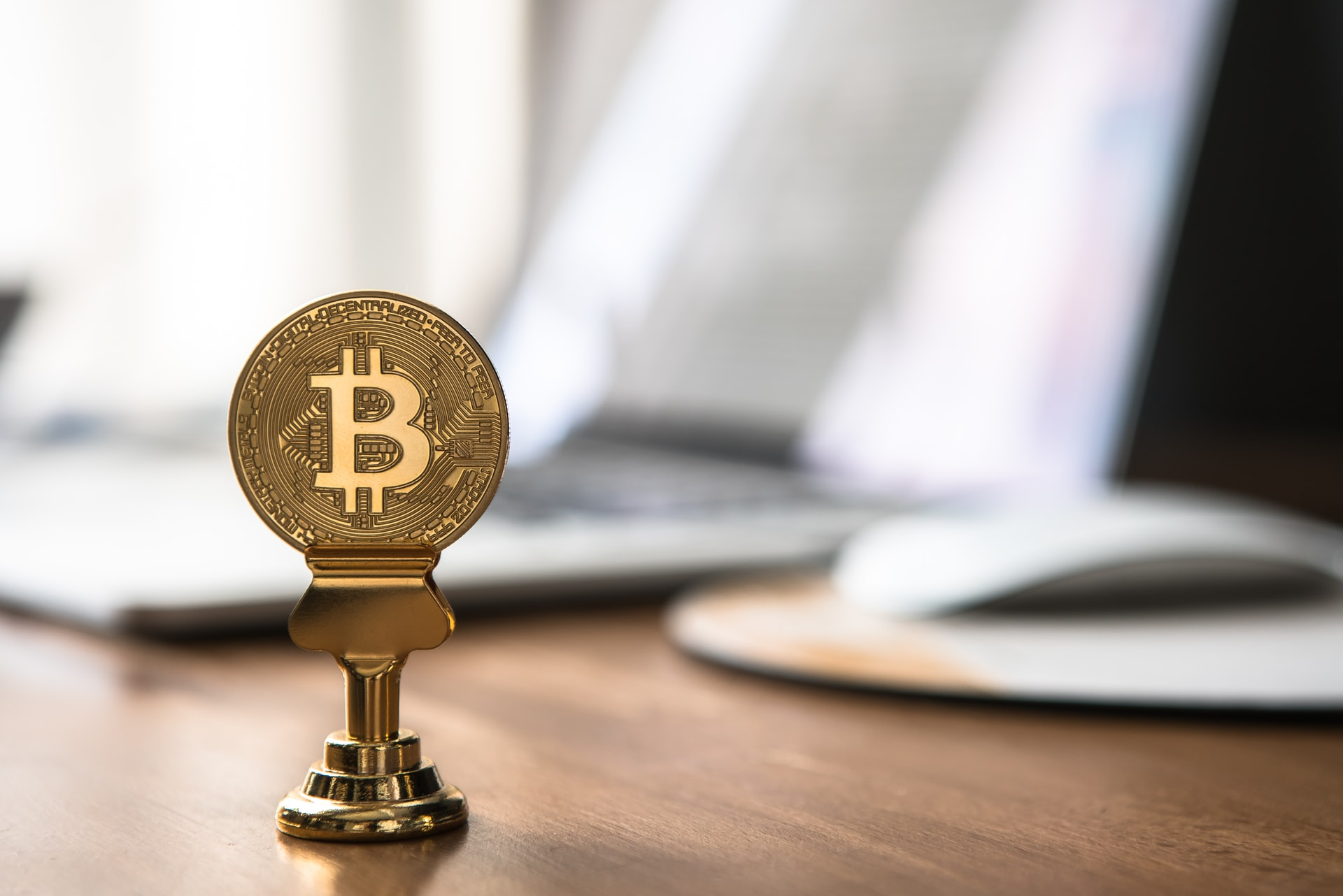 Tips Investing Bitcoin Header Image