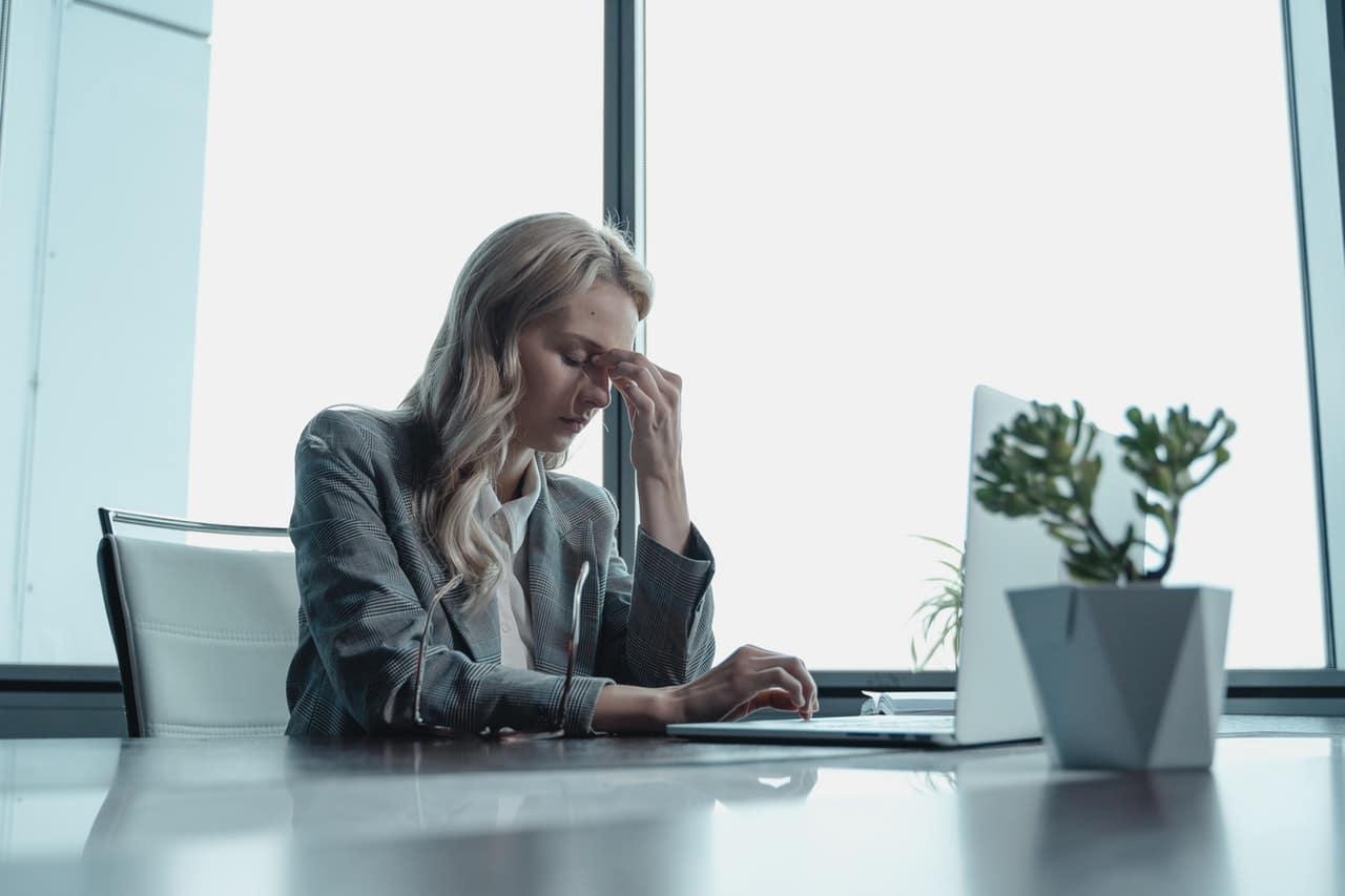How Save Struggling Business Header Image