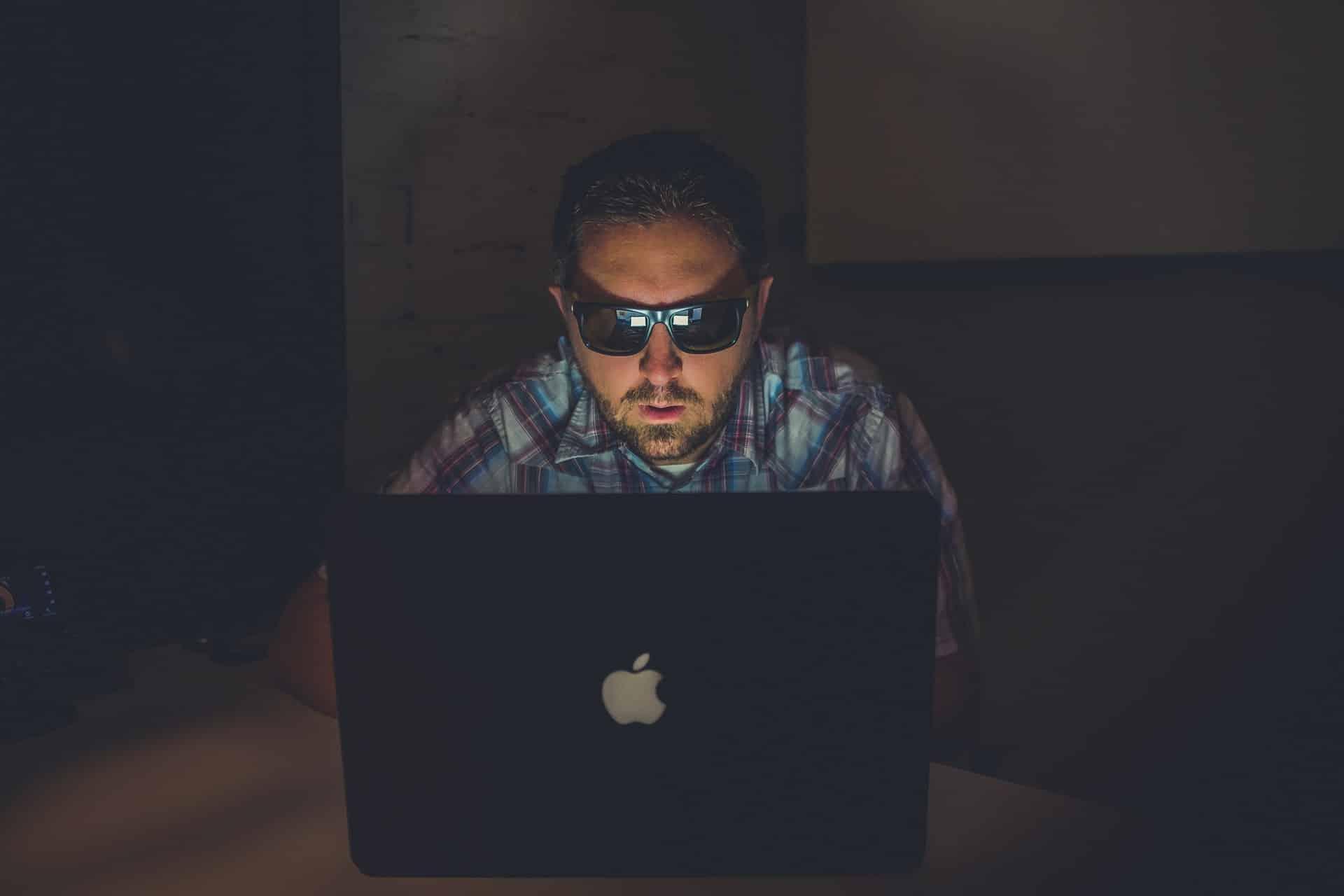 Ways Stay Safe Online Header Image