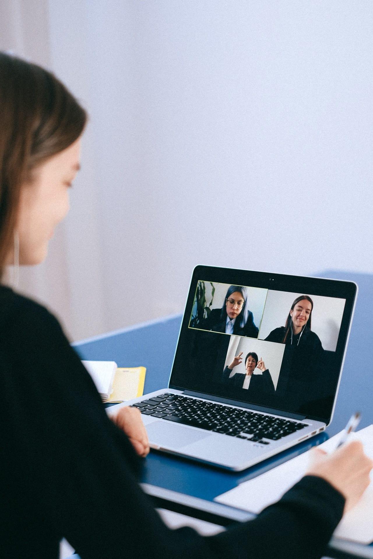 Business Meetings Online 2021 Article Image