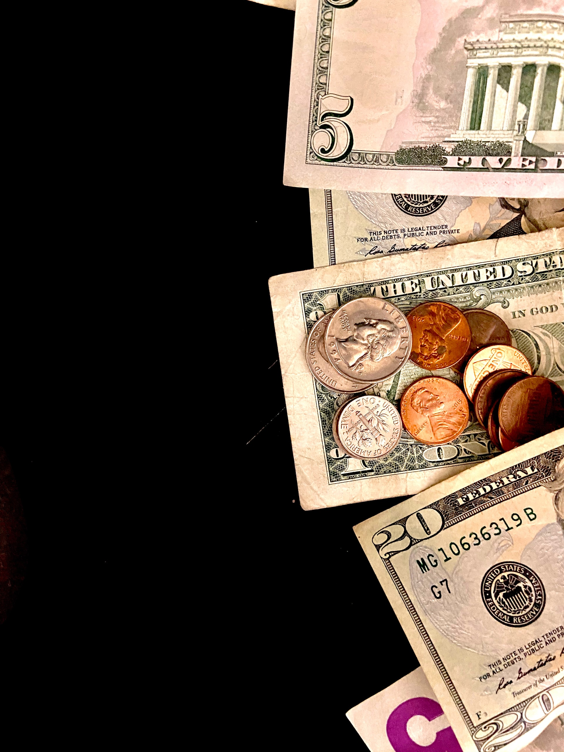 Tips Save Money Student Article Image