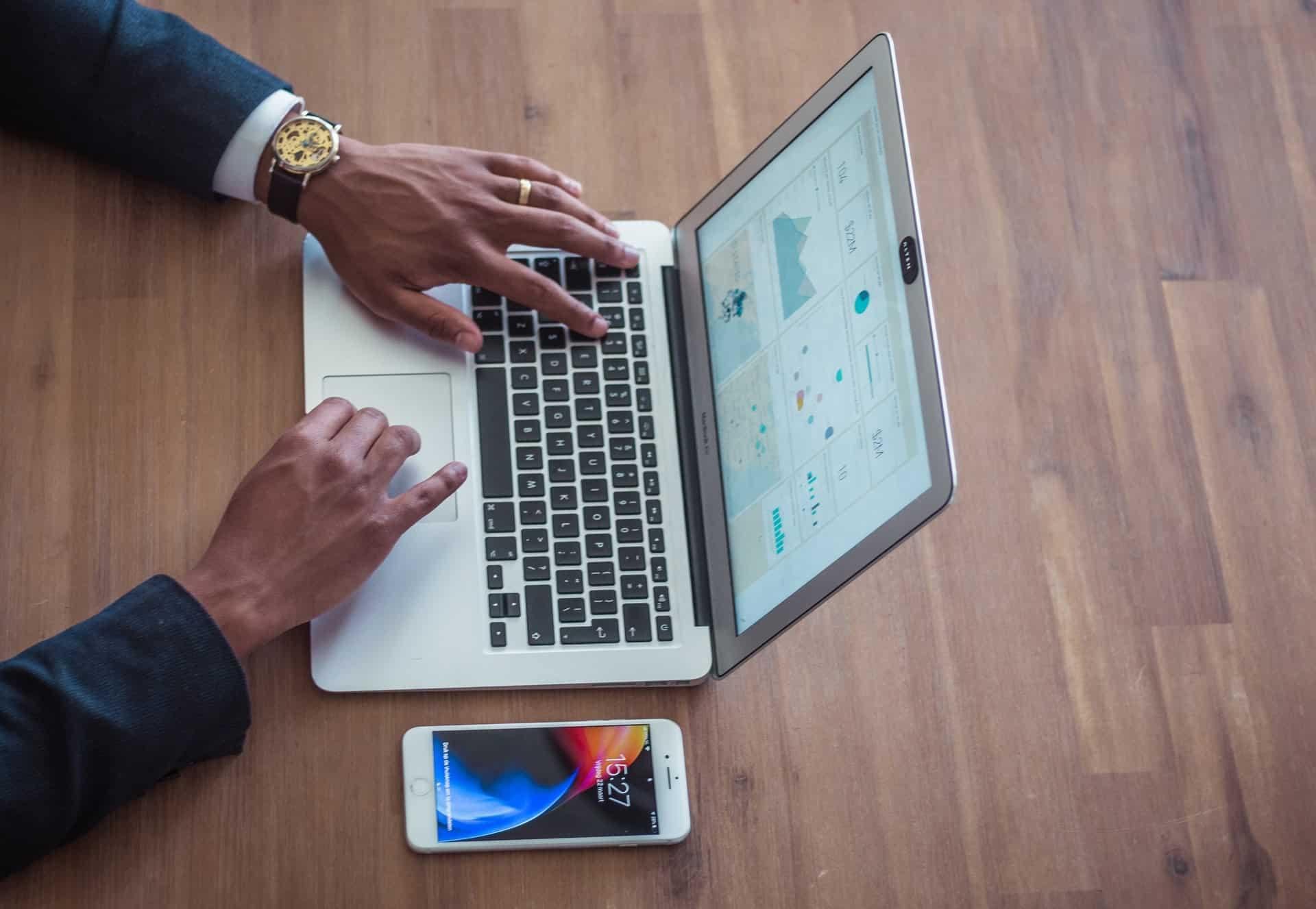 Tracking Consumer Behavior Header Image