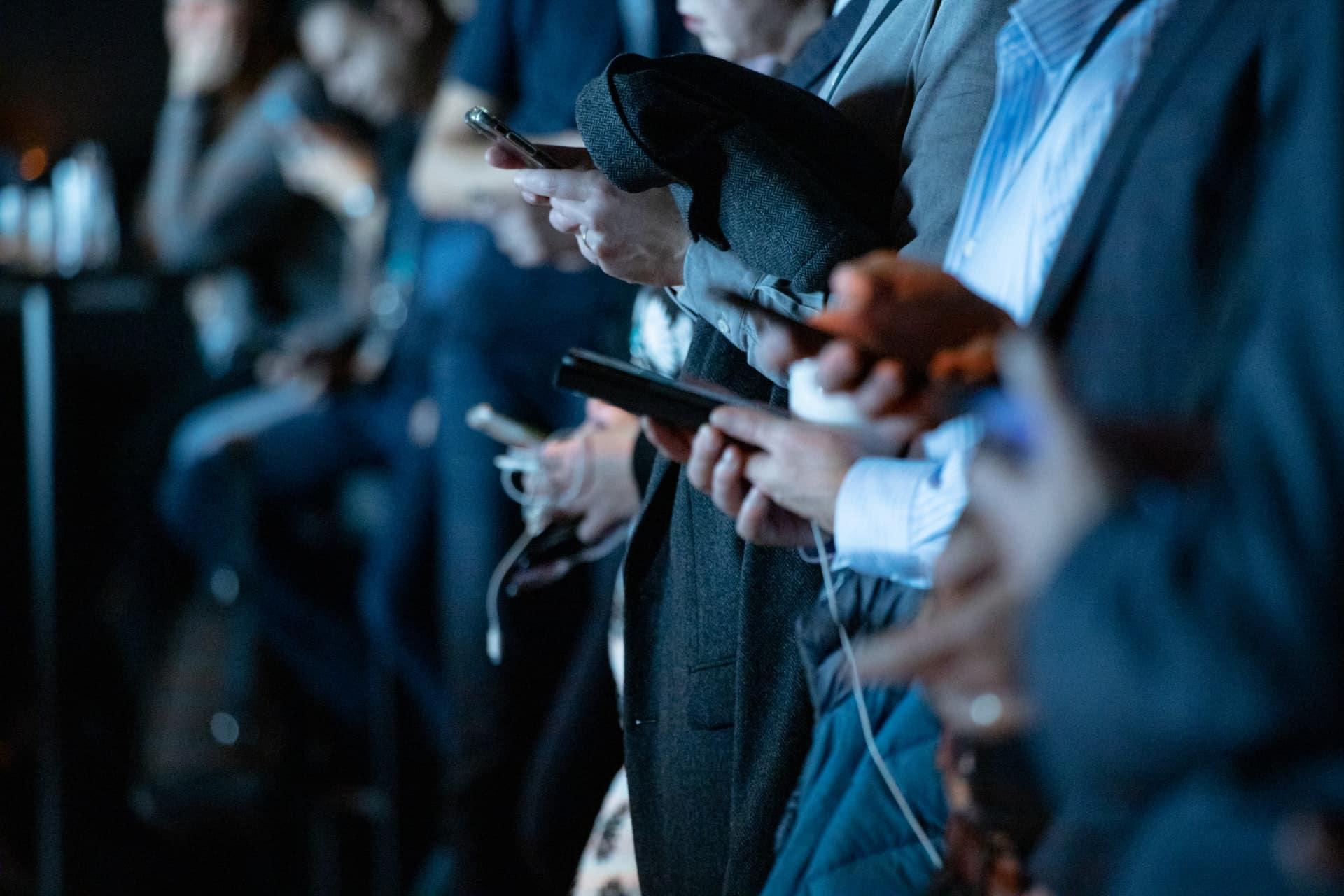 Smartphone Winning Sports Betting Header Image