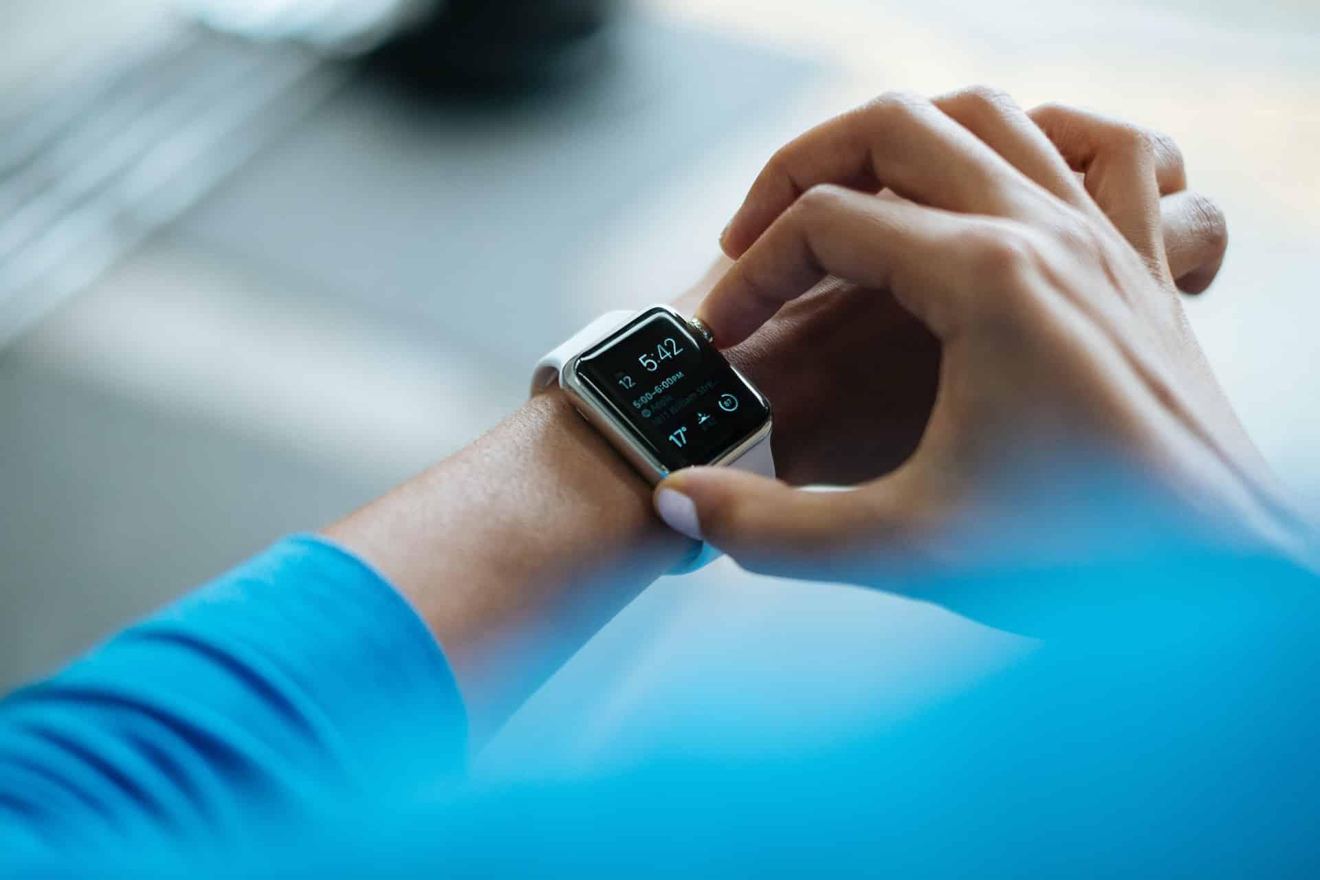 Smartwatch Sim Card Header Image