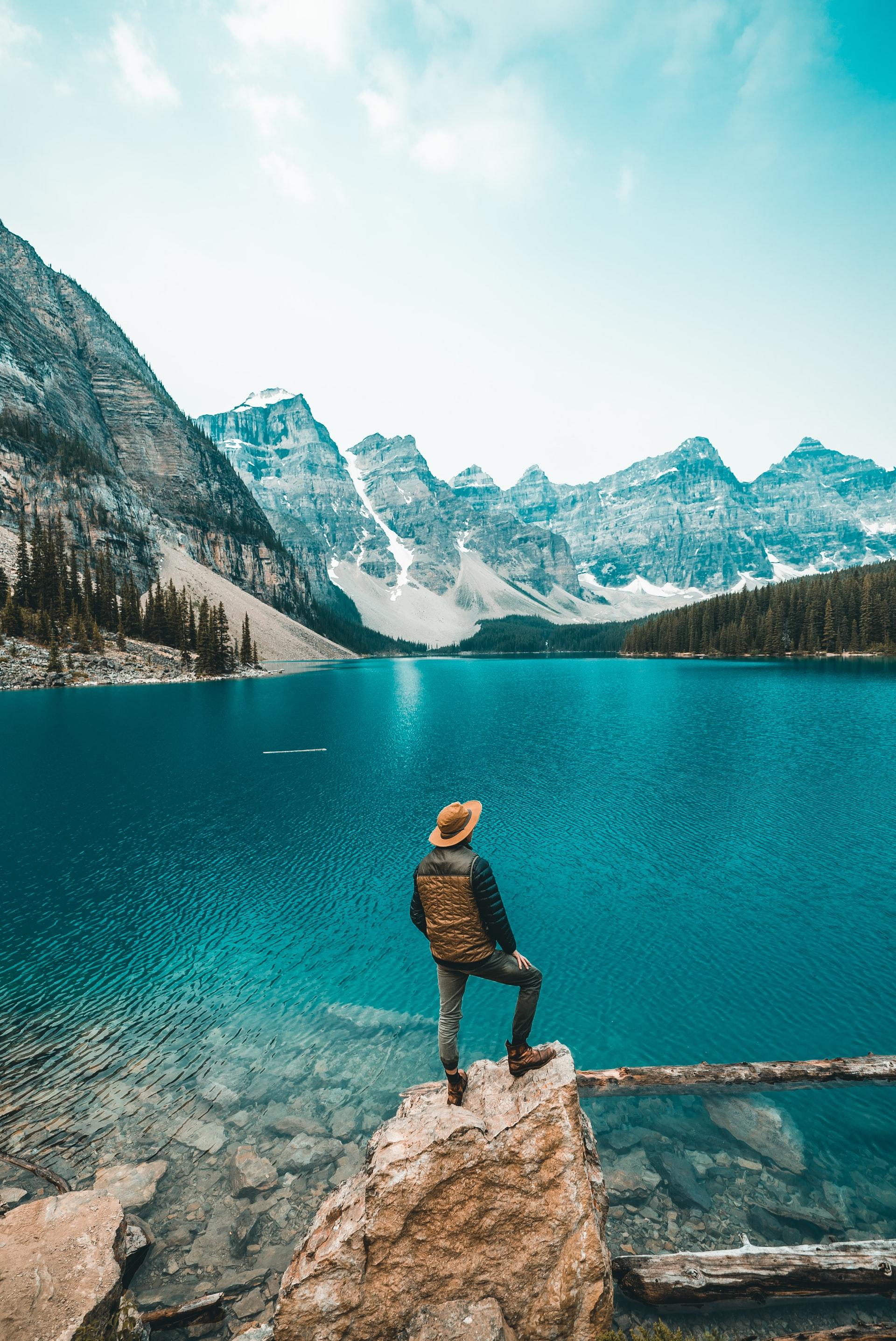 Holiday Spots Visit Canada Article Image