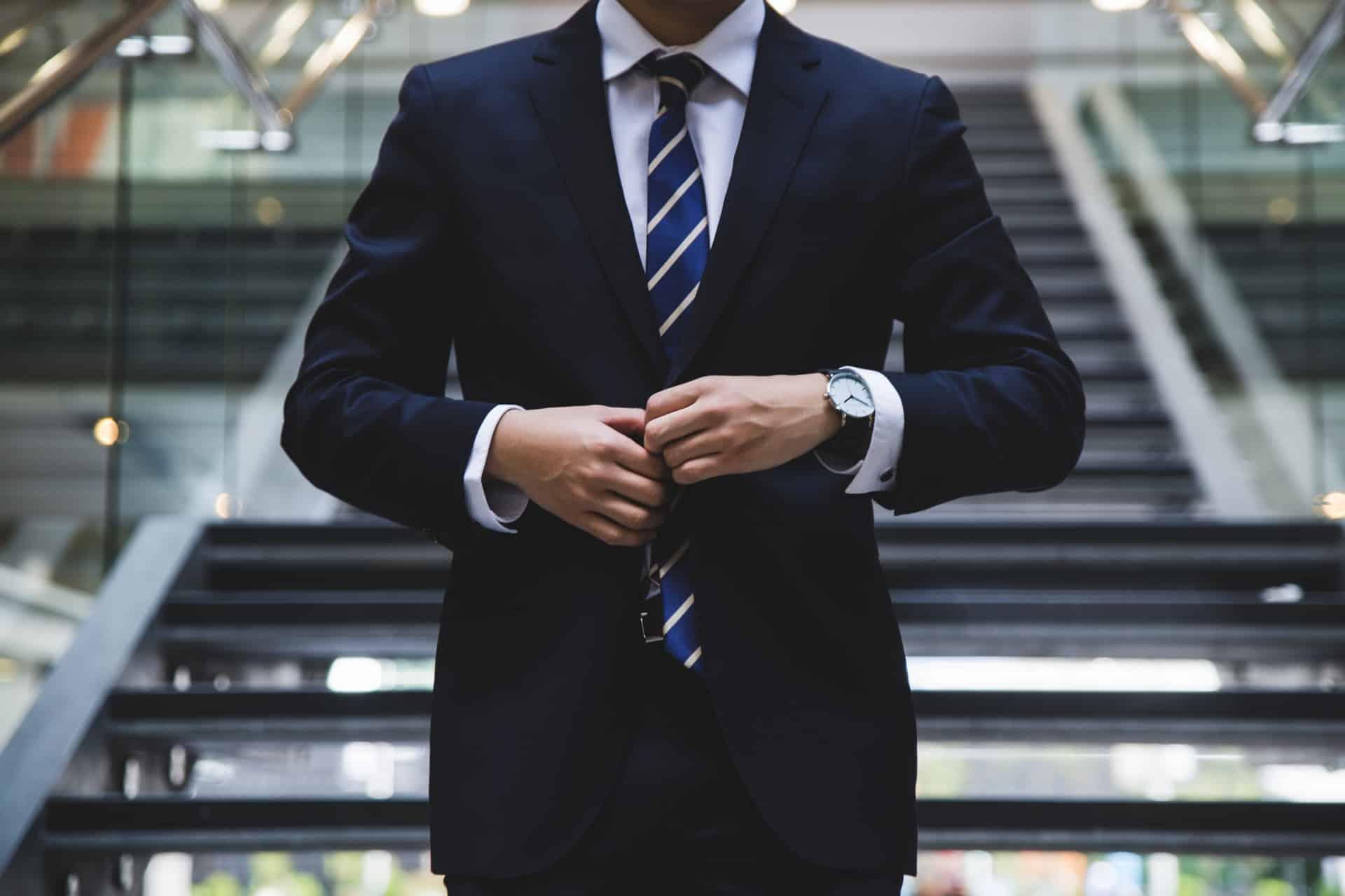 Characteristic Good Lawyer Header Image